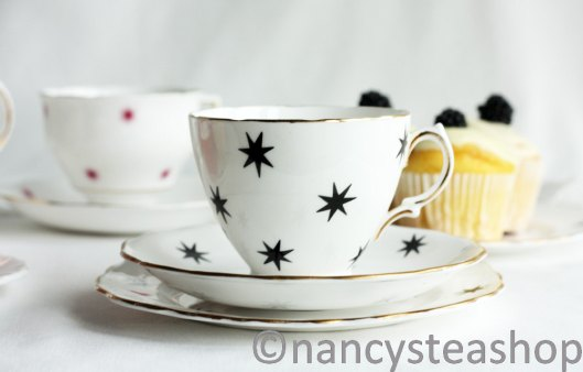 Colclough English vintage china star tea set