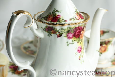 Royal Albert Old Country Roses vintage coffee pot