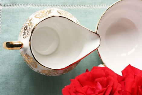 gold and white creamer bowl4