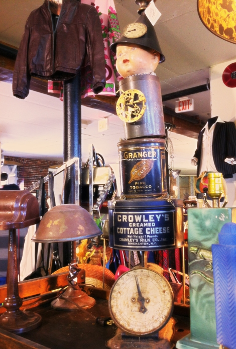 A photo of Vintage objects in SoWa vintage market in Boston