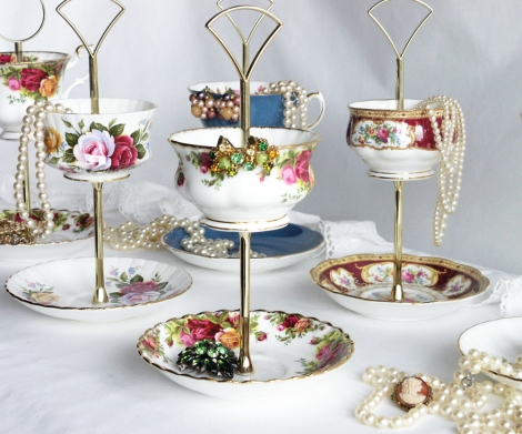 A photo of a Royal Albert jewellery stand