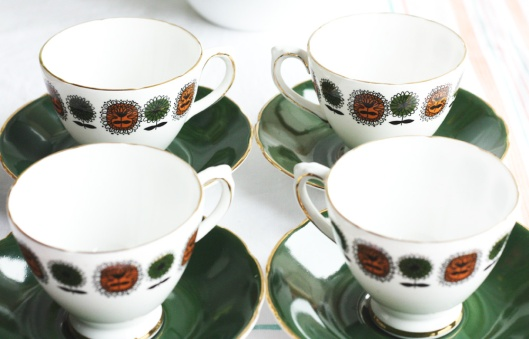 A picture of a Delphine retro china tea set