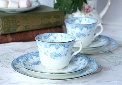 A picture of an Allertons vintage English china tea set