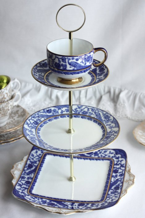 A picture of an Old Paragon China Cake Stand