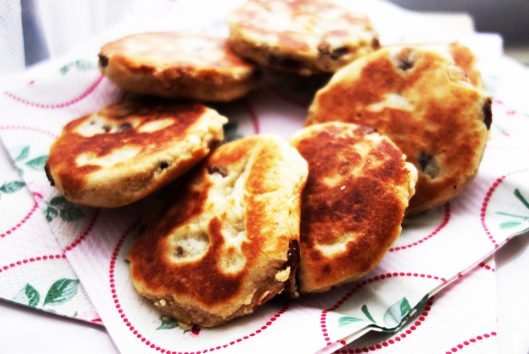 A photo of Welsh cakes on a vintage china plate