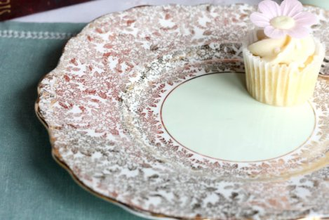 A photo of a Colclough gold and green cake plate