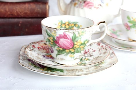A photo of an English spring flowers tea set