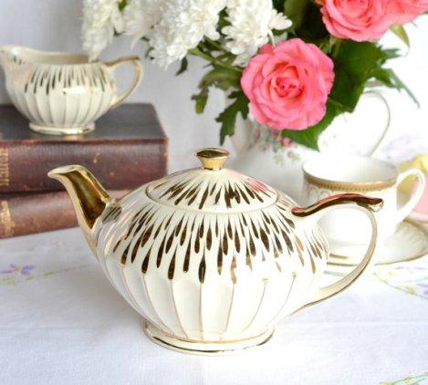 A picture of a vintage Sadler teapot