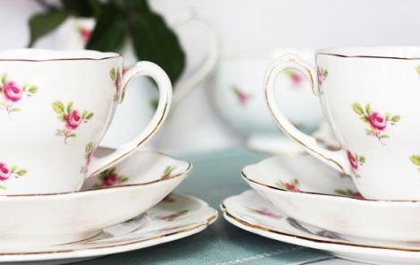 Roslyn Rosebuds tea sets